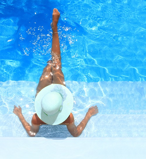 residential-swimming-pool-designs-women-at-swimming-pool